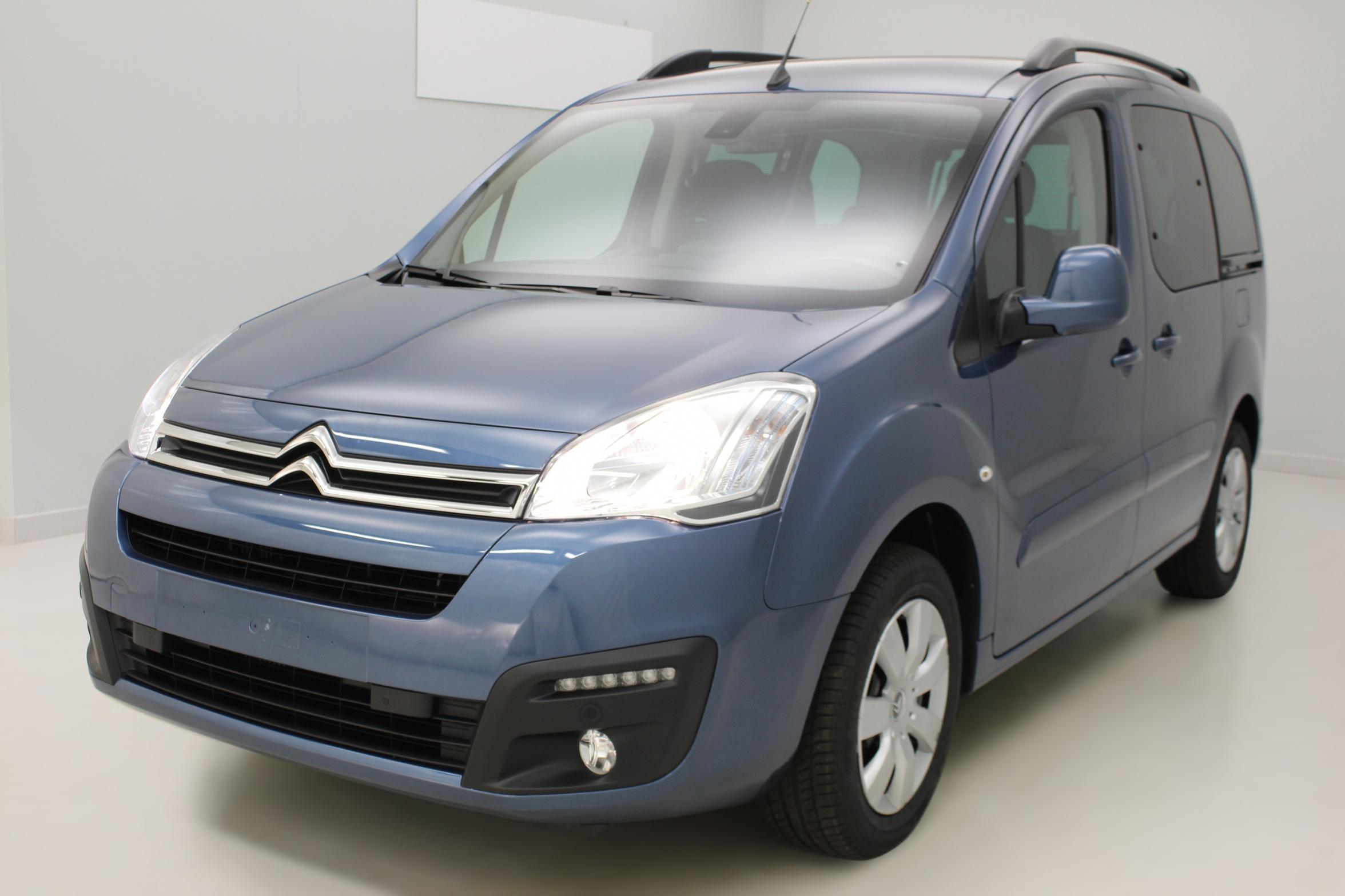 CITROEN Berlingo Multispace BlueHDi 120 S&S Shine Bleu Kyanos + Caméra de recul + Garantie 3 ans ou 100 000 kms avec options