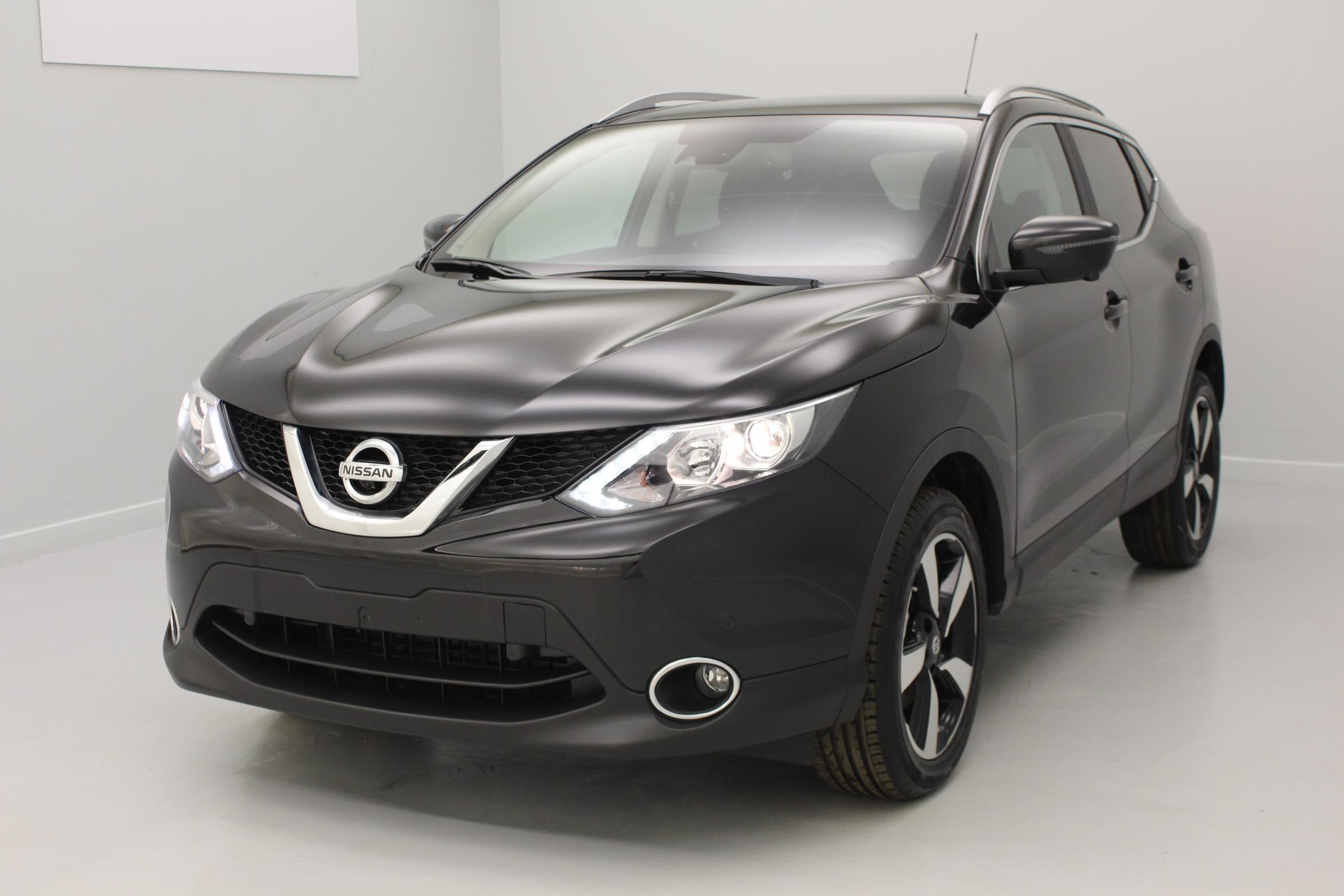 nissan qashqai 1 5 dci 110 n connecta noir m tallis toit panoramique et barres de toit avec. Black Bedroom Furniture Sets. Home Design Ideas