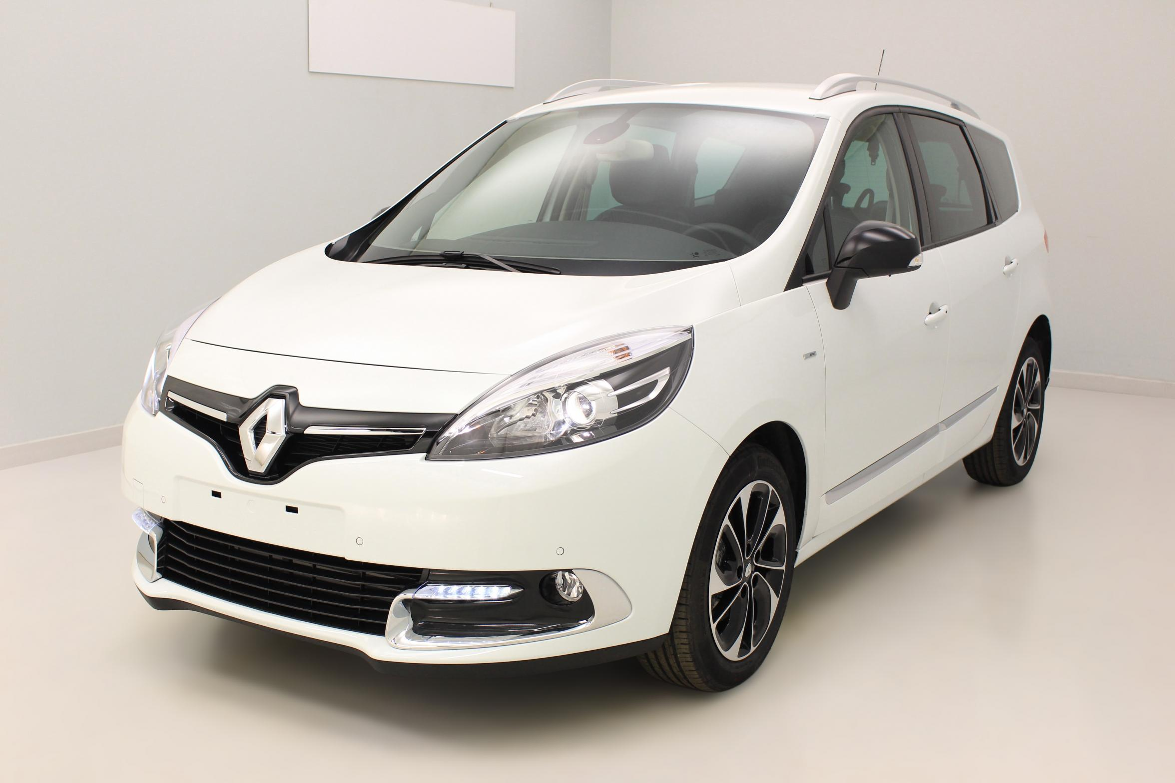 RENAULT Grand Scénic dCi 130 Energy Bose Edition 7 pl Blanc Nacré avec options
