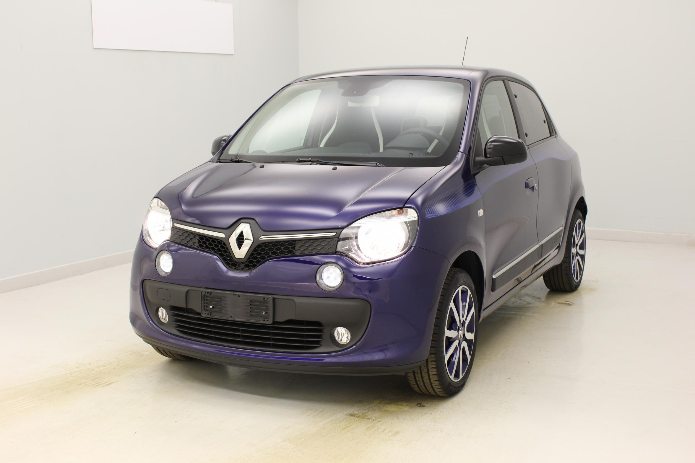 renault nouvelle twingo 1 0 sce 70 eco2 stop start intens ultra violet v hicule d 39 occasion. Black Bedroom Furniture Sets. Home Design Ideas
