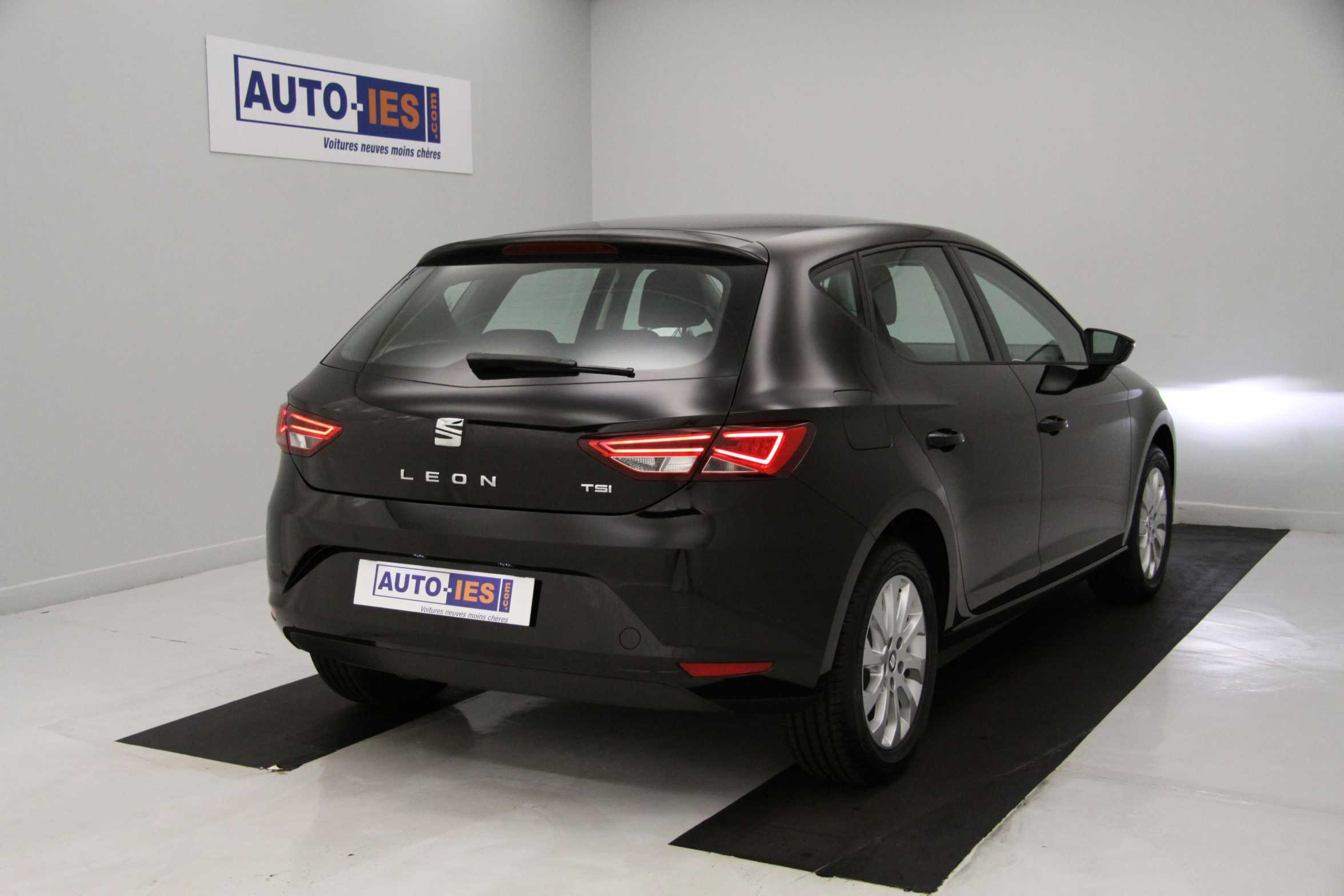 seat leon nouvelle 1 2 tsi 110 start stop noir minuit gps avec options style essence 42904738. Black Bedroom Furniture Sets. Home Design Ideas