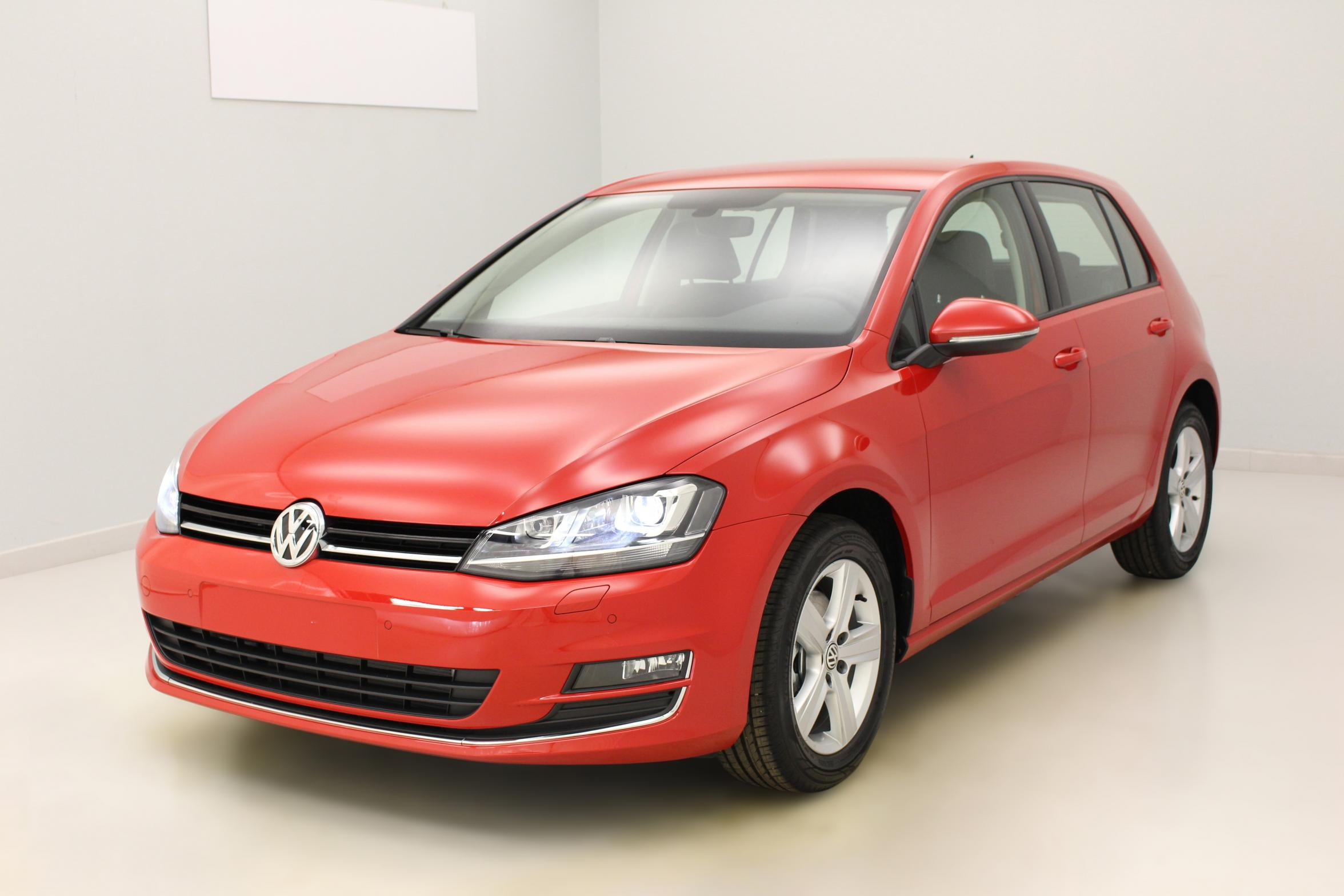 VOLKSWAGEN Golf VII 1.4 TSI 125 BlueMotion Technology Confortline Rouge Tornado + Discover Media + Roue de secours avec options