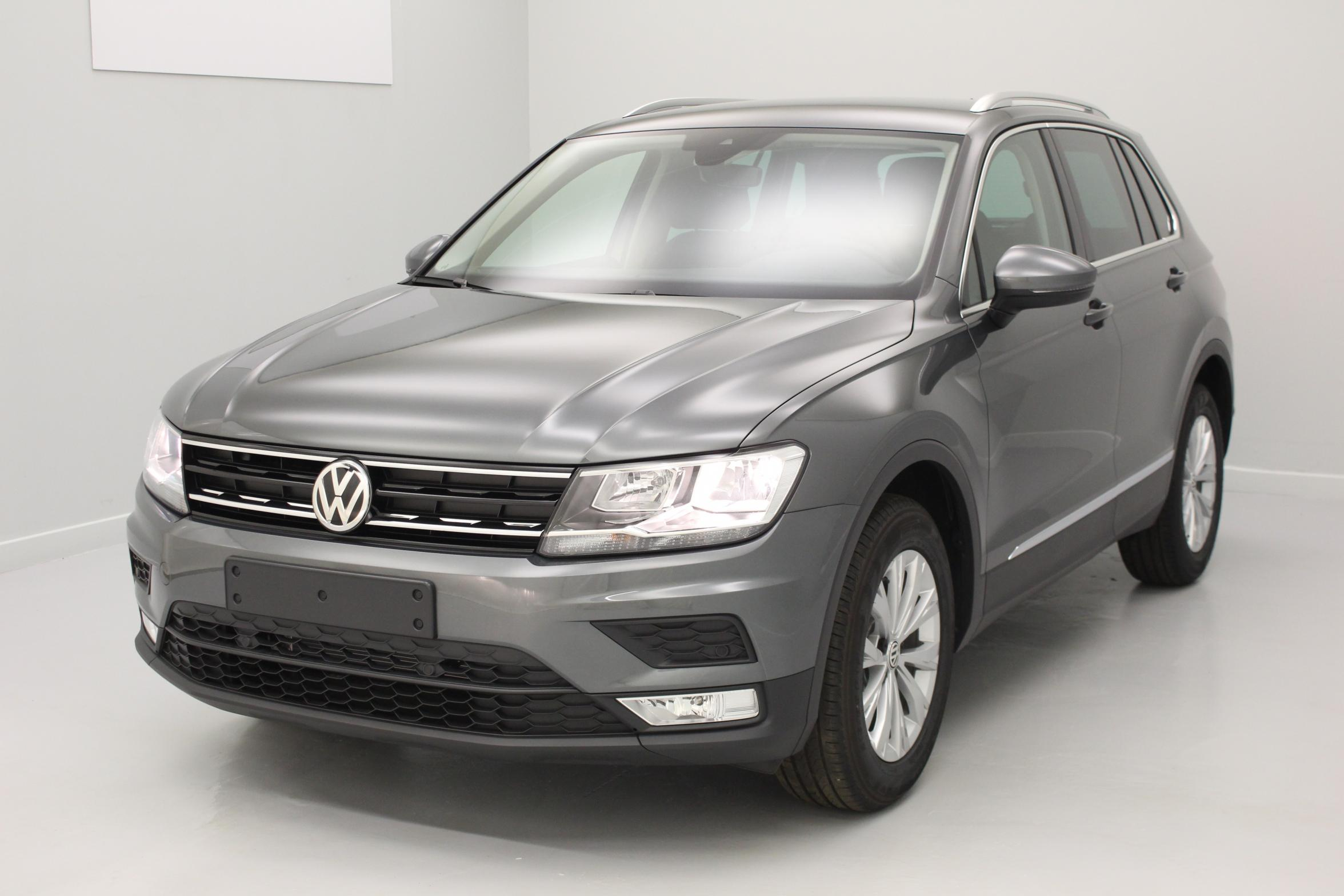 volkswagen nouveau tiguan 2 0 tdi 150 bmt trendline gris indium discover media climatronic. Black Bedroom Furniture Sets. Home Design Ideas